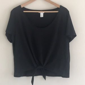H&M BLACK TIE FRONT CROP TOP